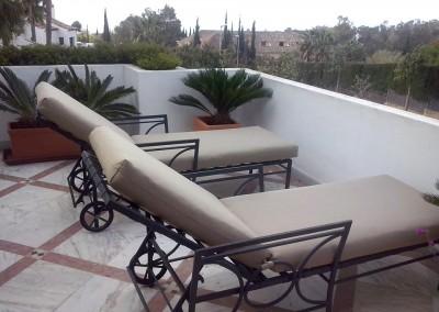 Juego de terraza con tela mostaza acabado en dralon
